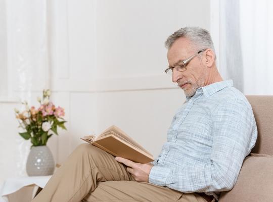 Presbiopia: Causas, Sintomas e Tratamentos