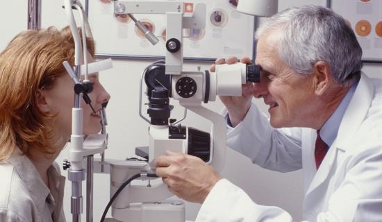 6 sinais e sintomas que você precisa procurar um oftalmologista